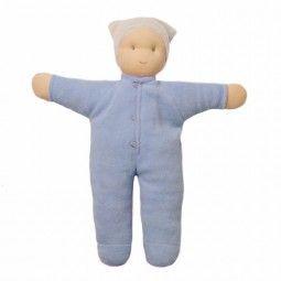 Muñeca Matty de Hoppa en color azul, que sigue la pedagogía Waldorf.